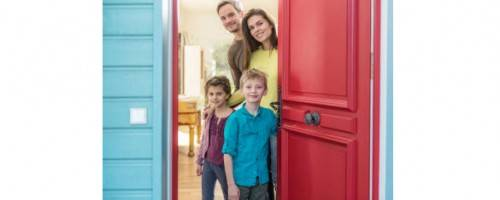 image of family at front door