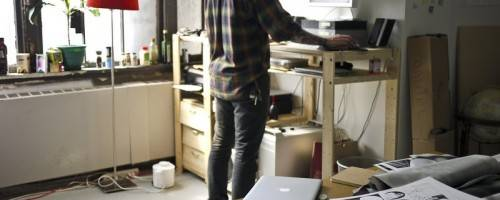 Five Health Benefits of Standing Desks